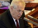 Prezident Zeman p�i projevu ve Sn�movn� p�ed hlasov�n�m o d�v��e vl�d� (7....
