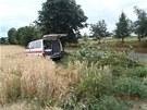 Šofér přejel s vozem do protisměru, poté se dostal na levý okraj vozovky a do