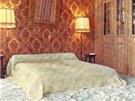 Zámecká ložnice v Château d'Hérouville, spali v ní například David Bowie nebo