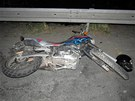 Opil� �idi�ka auta srazila na �umpersku dvojici jedouc� na motorce. Jej� �idi�
