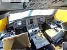 Pilotní kabina v letounu Airbus A380 společnosti The Emirates