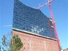 Architektonicky impozantní Labská filharmonie vévodící námořnímu přístavu měla...