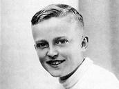 Jedenáctiletý Pavel Kohout, tedy v prvním válečném roce v roce 1939.