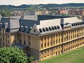 Petrin sloužil nejen jako chlapecký seminář, ale působilo zde i vojenské