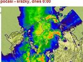 Srážková mapa ukazuje, jak v noci z úterý na středu 7. srpna postupovalo...