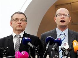 �pi�ky �SSD (zleva) Michal Ha�ek, Lubom�r Zaor�lek, Bohuslav Sobotka a Jeron�m