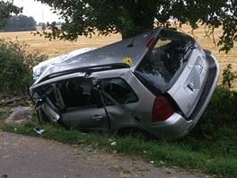 Tragická nehoda, při níž zemřel na Mladoboleslavsku mladý řidič. (9. srpna 2013)