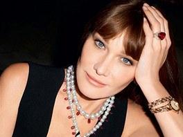 Carla Bruniová-Sarkozyová v reklamě na šperky