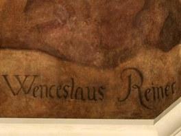 Václav Vavřinec Reiner: malířova signatura na fresce v Černínském paláci v Praze
