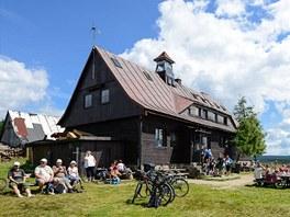 Chata Górzystów je velmi populární místo k zastavení.