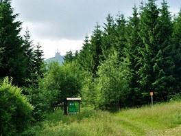 Trasa na Lysou vede po asfaltech i lesních pěšinách.