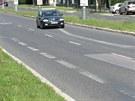 Čimická ulice v Bohnicích: Dva pruhy v každém směru se na několika stech...