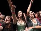 Publikum si podmanil už brzy odpoledne Tomáš Klus, před půlnocí si davy...