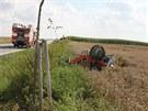 Nehoda tříkolky na silnici poblíž Litomyšle.