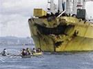 Obyvatelé Filipín na místě srážky dvou lodí (17. srpna 2013)