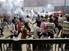 Desítky tisíc stoupenců Muslimského bratrstva protestovalo v ulicích Káhiry