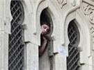 Stoupenci Muslimského bratrstva nechtějí mešitu v centru Káhiry opustit. (17.