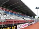 NEJSTARŠÍ MÍSTA. Nejstarší tribuna Androva stadionu pochází z roku 1977 a v...