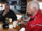 Současný a bývalý prezident Miloš Zeman a Václav Klaus se setkali na tradiční...
