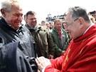 Prezident Miloš Zeman se na Sněžce setkal s kardinálem Dominikem Dukou, který...