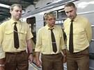 U příležitosti 35. výročí od první jízdy metra se řidiči oblékli do dobových