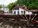 Z okolí domu ve Svobodě nad Úpou museli lidé odstraňovat až metr a půl kamení...