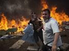 Egyptská policie vyklidila i druhý tábor Mursího stoupenců (15. srpna 2013).