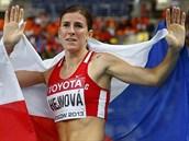 NOV� �AMPIONKA. Zuzana Hejnov� po v�t�zstv� na MS v Moskv� v z�vod� na 400 metr� p�ek�ek.