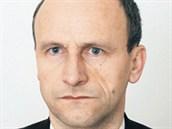 Komunistick� poslanec Vladim�r Kon��ek.