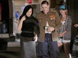 Snímek z natáčení filmu Child 44. Vojenskou uniformu oblékl herec Tom Hardy