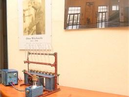Zařízení pro ověření nového výrobního postupu, které si chemik Otto Wichterle