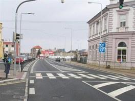 Cyklista srazil přecházející seniorku na přehledném přechodu před šumperským...