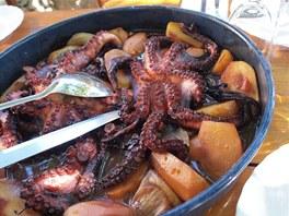 Chobotnice na talíři. Vedle dřiny v sedle je během týdenní cesty dost času,