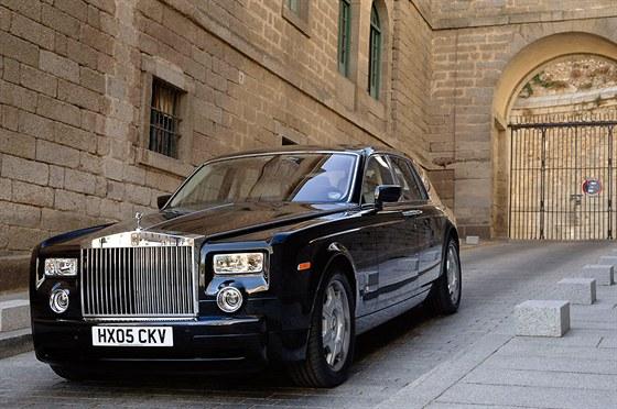 Rolls-Royce Phantom rozptýlil u Britů obavy, že Němci nemohou vystihnout duch...
