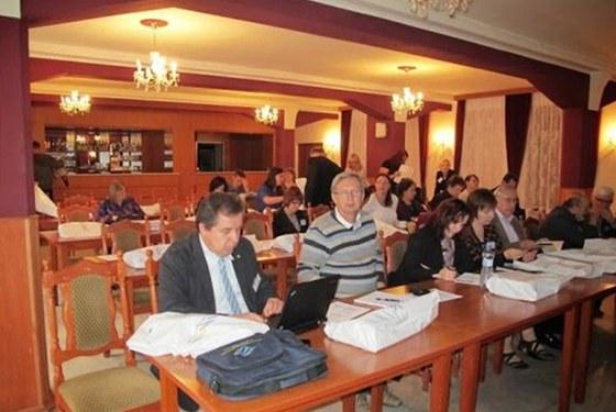 Účastníci přednášky v rámci programu CEEPUS vpřednáškovém sále na Kolibě v