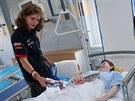�e�t� jezdci nav�t�vili p�ed z�vody mal� pacienty v D�tsk� nemocnici. Na...