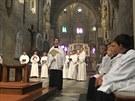 Biskup Cikrle nejprve odsloužil mši ve zcela zaplněné bazilice.
