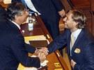 Poslanec VV Michal Babák se loučí s ministrem financí Janem Fischerem (20.