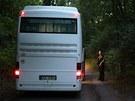 Cestovní kancelář Corrupt Tour vypravila autobus pro zájemce ze zahraničí. Po