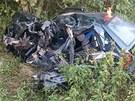Vzhledem ke stavu zdemolovaného automobilu musel být čelní náraz velmi silný...