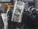 Zásahu v Ostravě se nakonec aktivně zúčastnily asi tři stovky policistů....