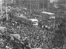 Okupace Brna 1968: Davy lidí se sešly k brněnskému hlavnímu nádraží