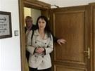 V úterý se k soudu dostavila i Lucia Novanská, která měla mít na starosti, aby