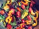 Nebo tenhle salát p�ipravený z �erstvé zeleniny, kterou byste v supermarketu...