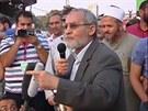 Lídr egyptského Muslimského bratrstva Muhammad Badí na demonstraci proti sesazení prezidenta Mursího. Badí byl zadržen ozbrojenými složkami.