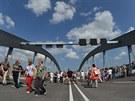 Slavnostní otevření kontroverzního mostu Waldschloesschen v Drážďanech, kvůli...