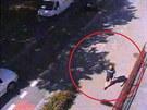 Záběr na zloděje, který ukradl kolo od Úřadu práce v Uherském Hradišti.