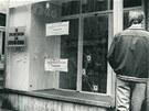 Následky střelby kolony sovětských vojáků v Prostějově, ke které došlo 25.