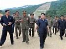 Kim Čong-un osobně přijel dohlédnout na výstavbu lyžařského areálu (18. srpna...