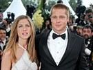 Jennifer Anistonová a Brad Pitt (13. května 2004)